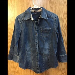 Gap size medium classic 3/4 sleeve denim button up